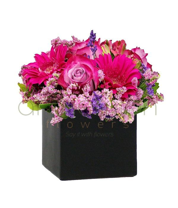 Cube with fuchsia/pink flowers