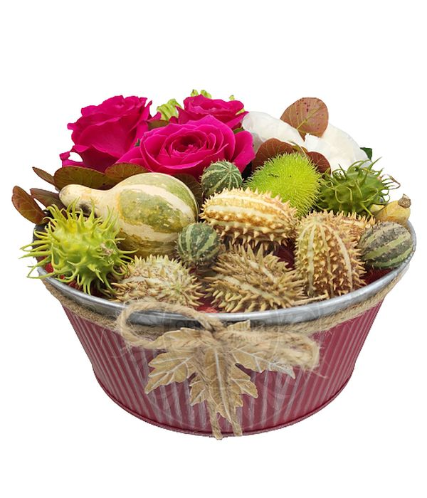 Φούξια σύνθεση λουλουδιών σε μεταλλική βάση