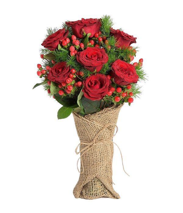 Τριαντάφυλλα και υπέρικουμ σε λινάτσα