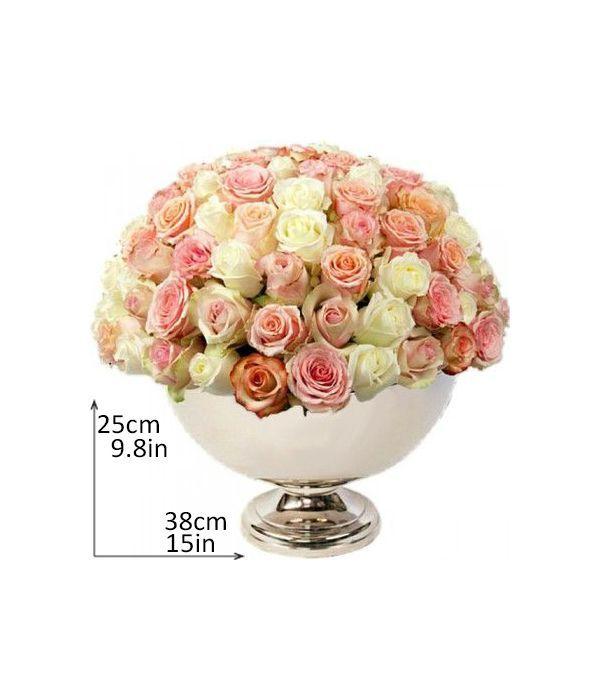 Σύνθεση με 100 τριαντάφυλλα