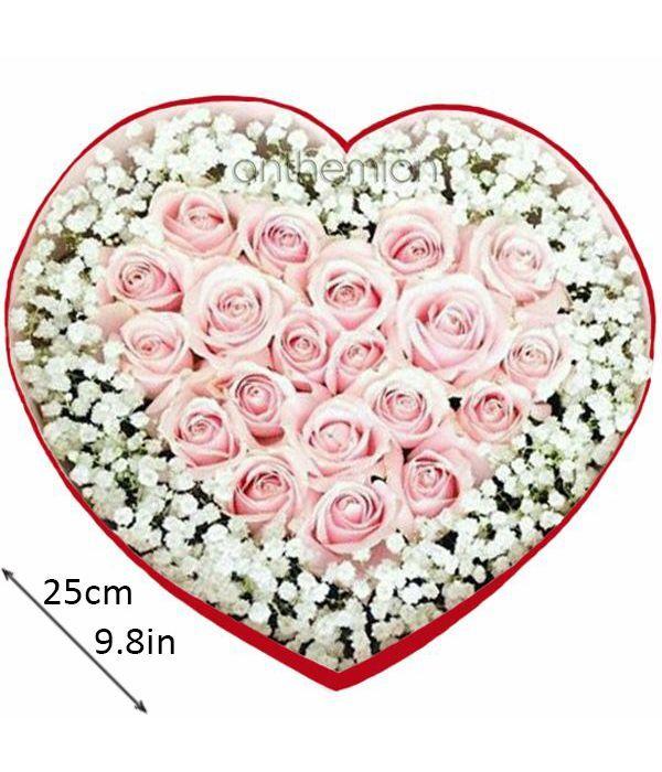 Καρδιά με ροζ τριαντάφυλλα