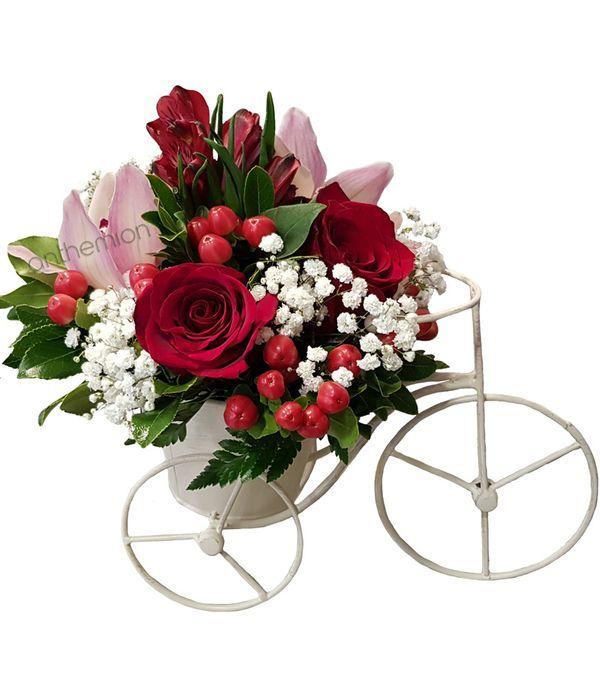 Μεταλλικό ποδηλατάκι με λουλούδια