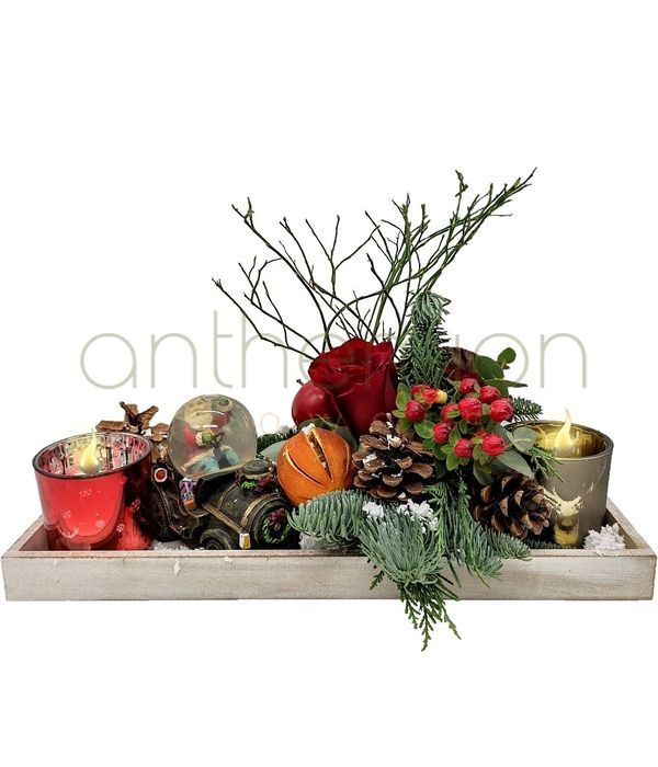 Wooden Christmas tray with candles