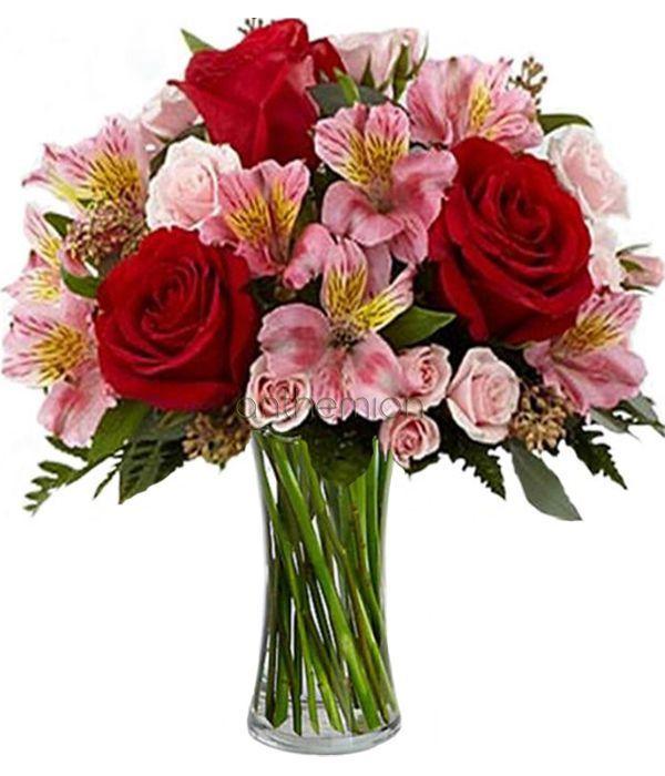 Μπουκέτο με τριαντάφυλλα και αλστρομέριες