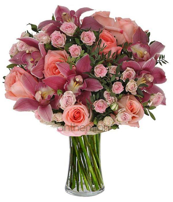 Ροζ ορχιδέες και τριαντάφυλλα
