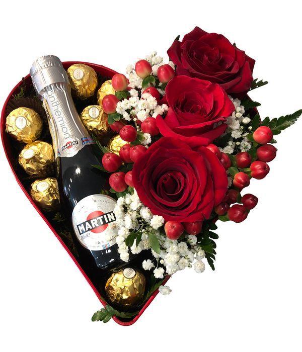 Καρδιά με τριαντάφυλλα σοκολατάκια και ASTI MARTINI