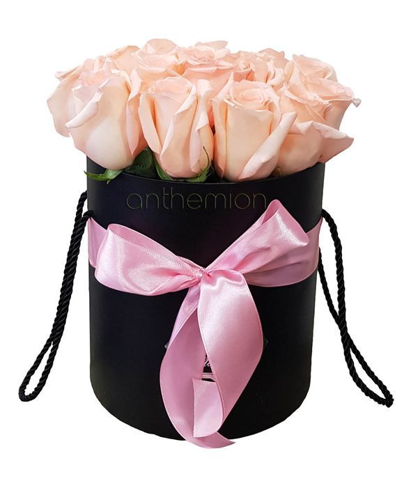 Τριαντάφυλλα για εκείνη