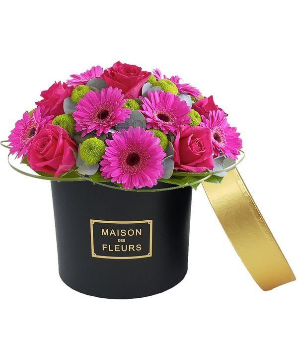 Μαύρο κουτί με φούξια λουλούδια