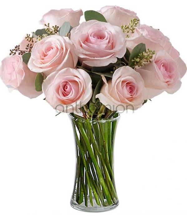 Ροζ τριαντάφυλλα σε μπουκέτο