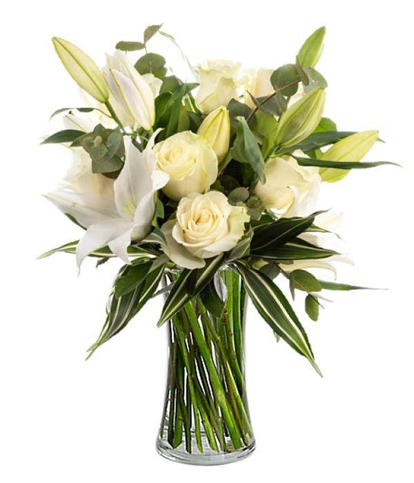 Μπουκέτο με λευκά λιλιουμ και λευκά τριαντάφυλλα