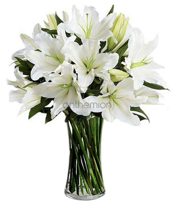 Impressive bouquet of white Lilies