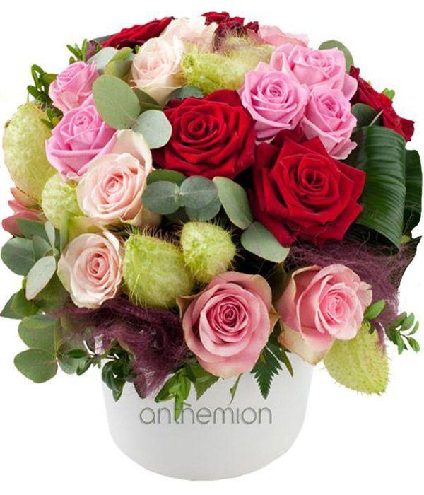 Ρομαντική σύνθεση με τριαντάφυλλα