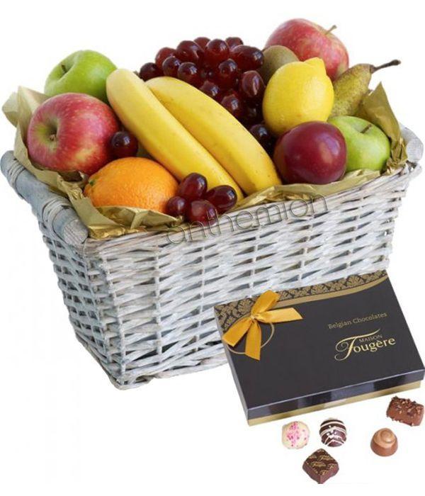 Καλάθι με Φρούτα και Σοκολατάκια