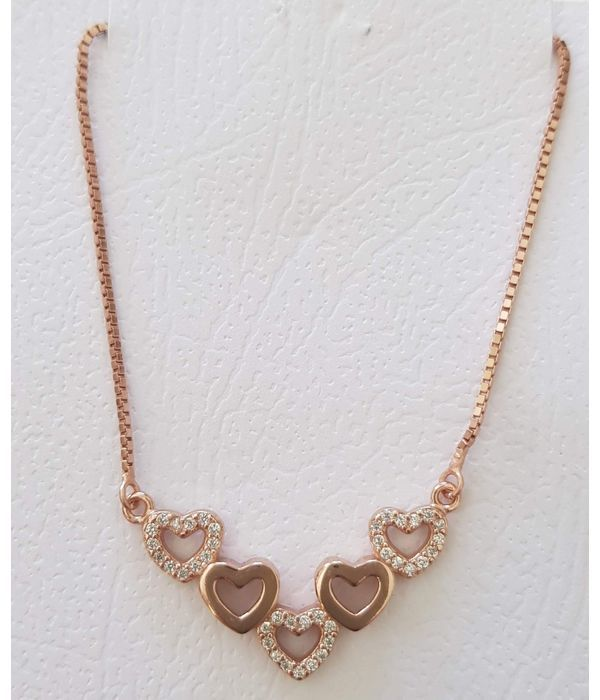 Pendant with garland of hearts