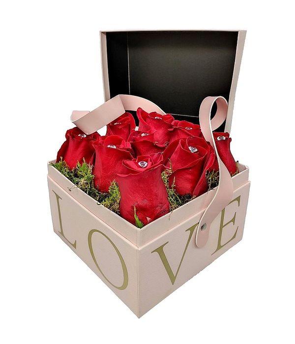 Κουτί LOVE με τριαντάφυλλα