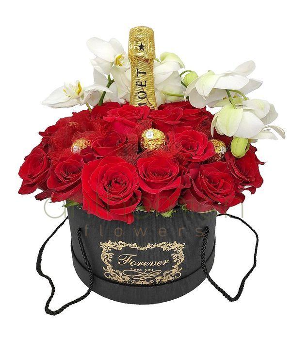 Έρωτας με τριαντάφυλλα και Moet 700ml