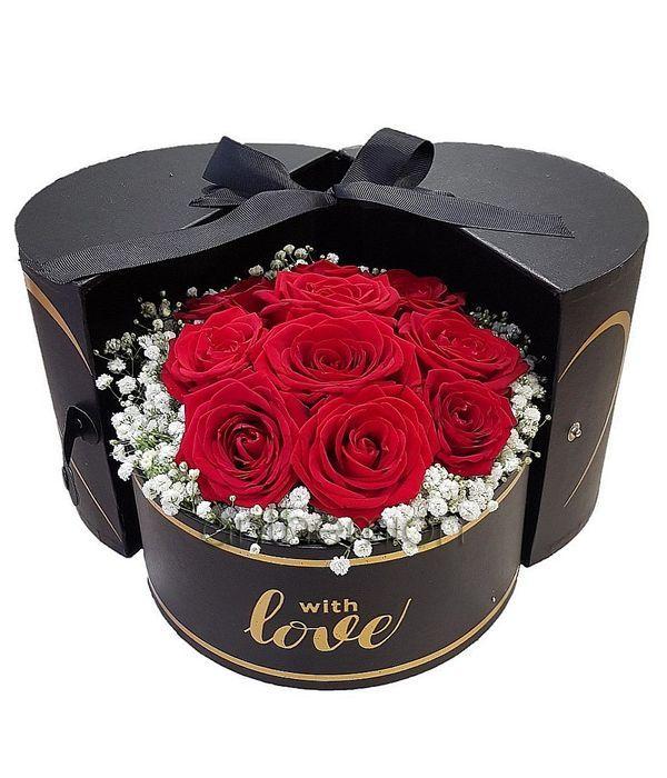 Κόκκινα Τριαντάφυλλα σε κουτί με αγάπη