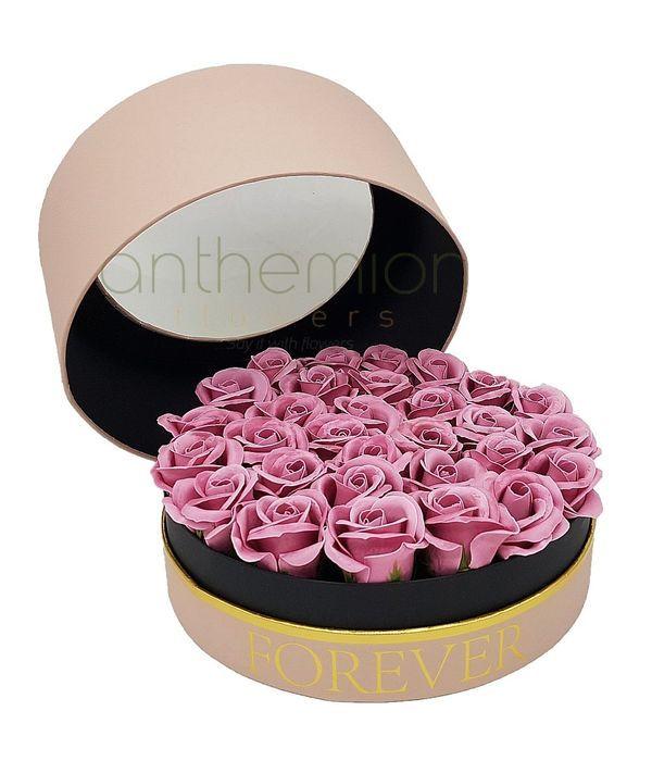 Κουτί forever με ροζ τριαντάφυλλα σαπούνι