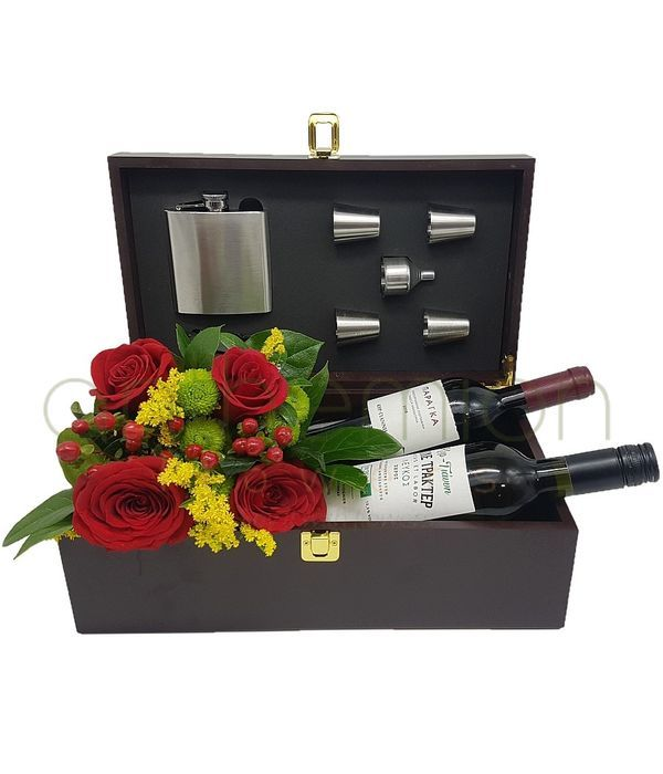 Flowers and 2 wines in a gift box