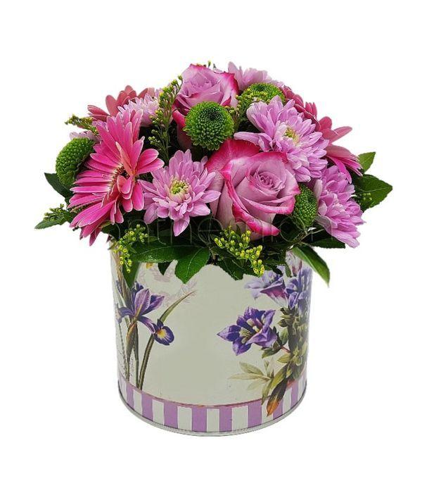 Μεταλλικό κουτί με φούξια λουλούδια