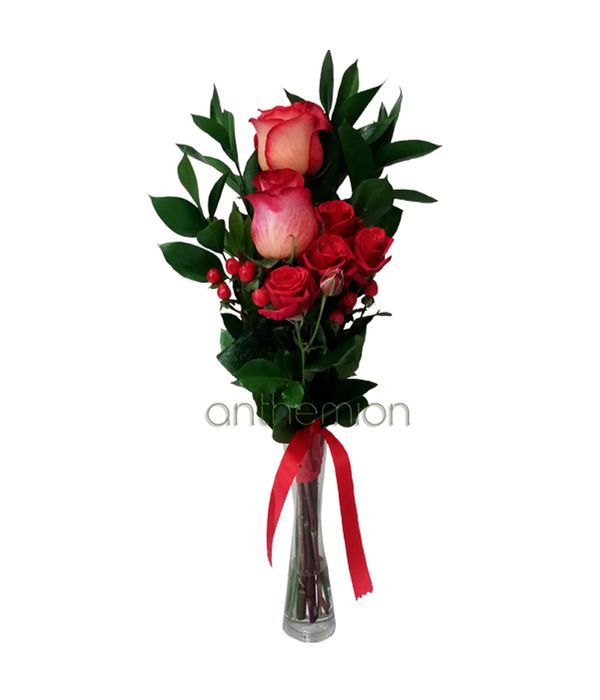Gorgeous roses in vase
